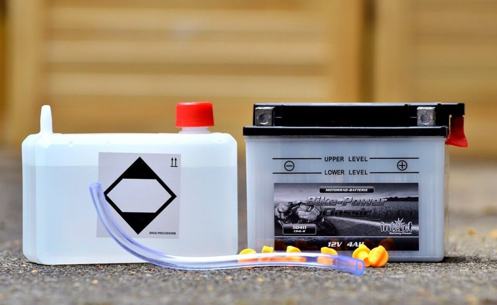 How Do You Know When Your Car Battery Needs Water?