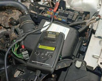 Can i Trickle Charge a Battery Without Disconnecting It